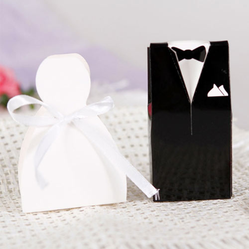 Bride and groom favour box
